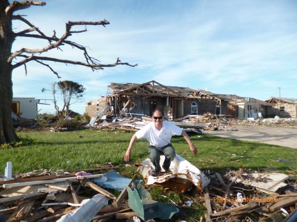 130602-phphuoc-oklahoma-moore-tornado-031_resize