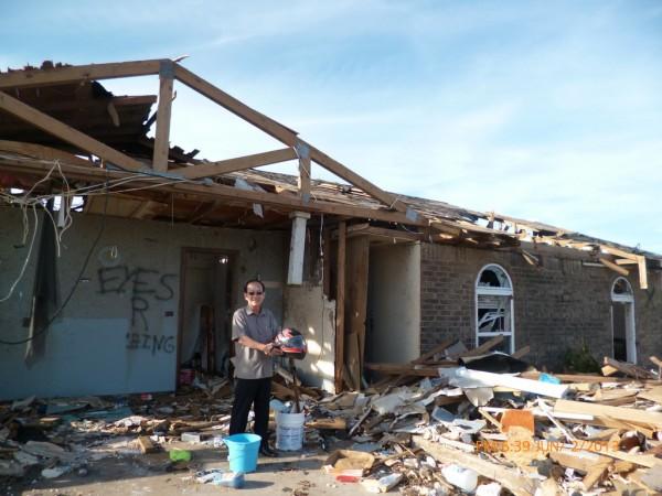130602-phphuoc-oklahoma-moore-tornado-032_resize