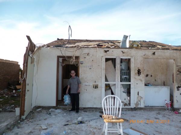 130602-phphuoc-oklahoma-moore-tornado-035_resize
