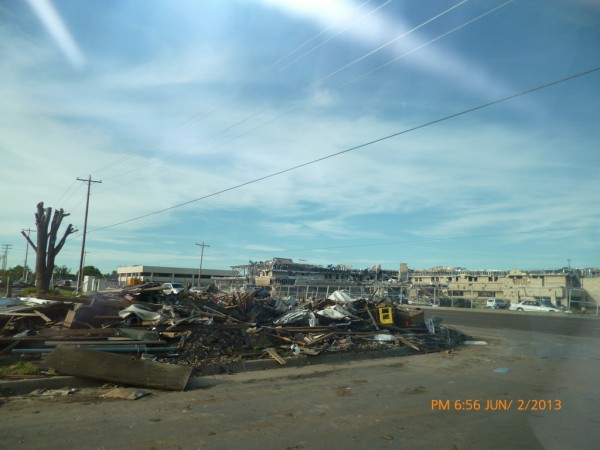 130602-phphuoc-oklahoma-moore-tornado-040_resize