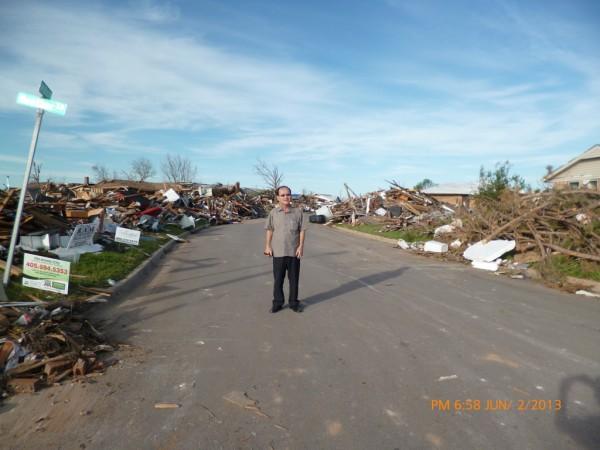 130602-phphuoc-oklahoma-moore-tornado-042_resize