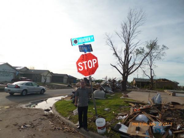 130602-phphuoc-oklahoma-moore-tornado-045_resize