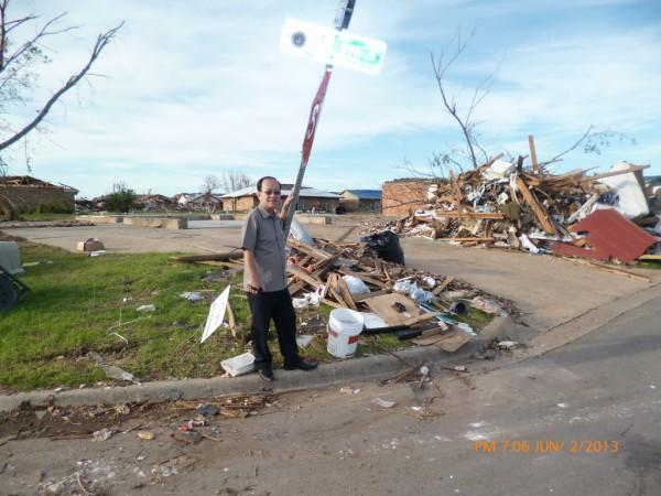130602-phphuoc-oklahoma-moore-tornado-046_resize
