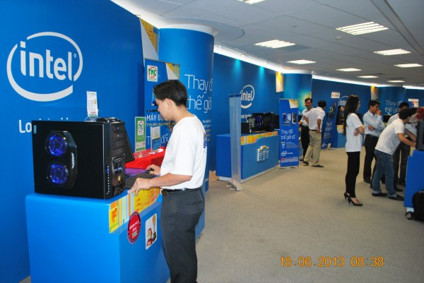 130618-intel-launch-haswell-hcm-009-2000