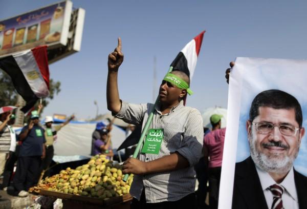130704-egypt-president-morsi-supporters-11