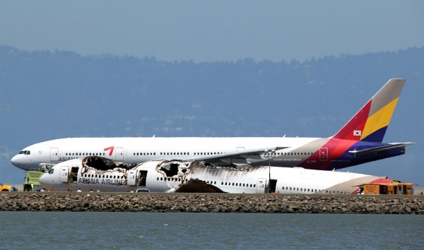 130706-asiana-airlines-crashed-sfo-01b