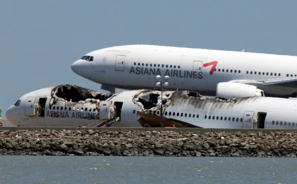 130706-asiana-airlines-crashed-sfo-02b