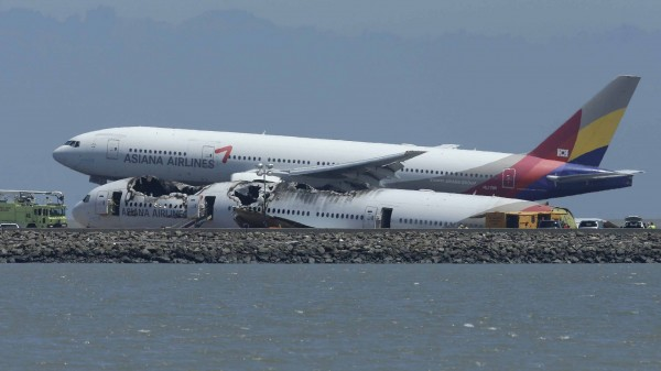 130706-asiana-airlines-crashed-sfo-03b