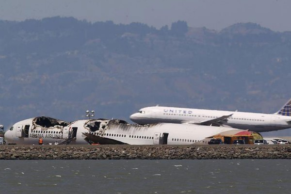 130706-asiana-airlines-crashed-sfo-06b