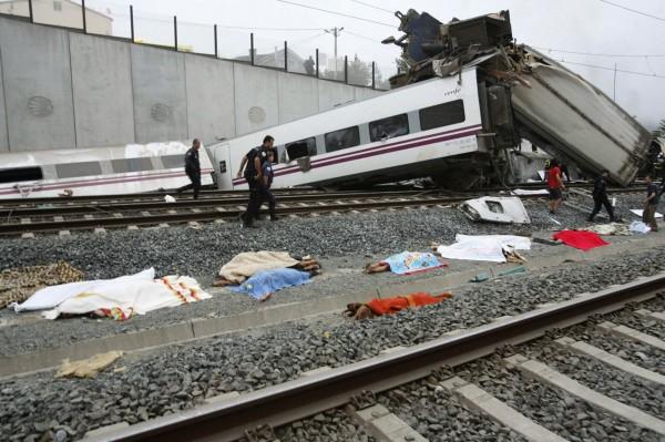 130724-spain-derail-train-04