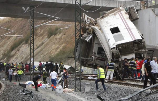 130724-spain-derail-train-05
