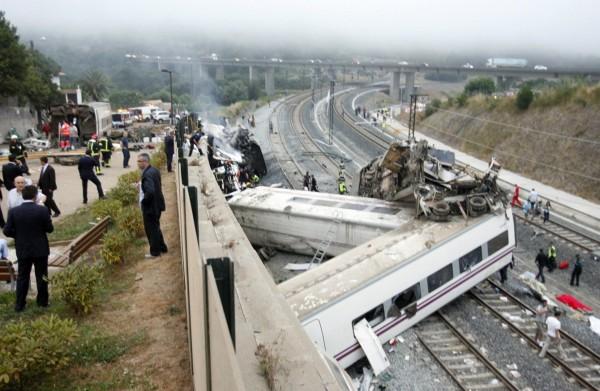 130724-spain-derail-train-07