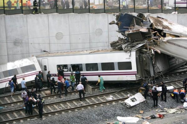 130724-spain-derail-train-08