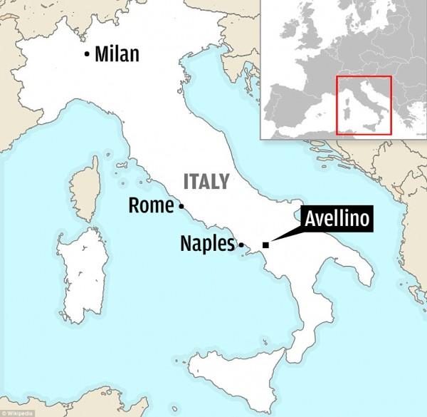 130728-italia coach crashed-01