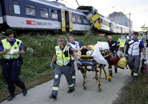 130729-Swiss trains collide-01