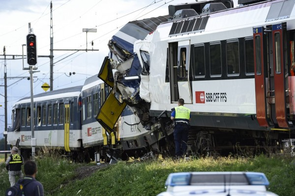 130729-Swiss trains collide-03
