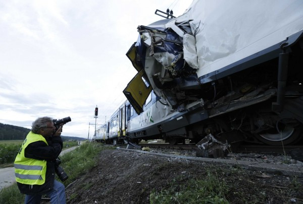 130729-Swiss trains collide-04