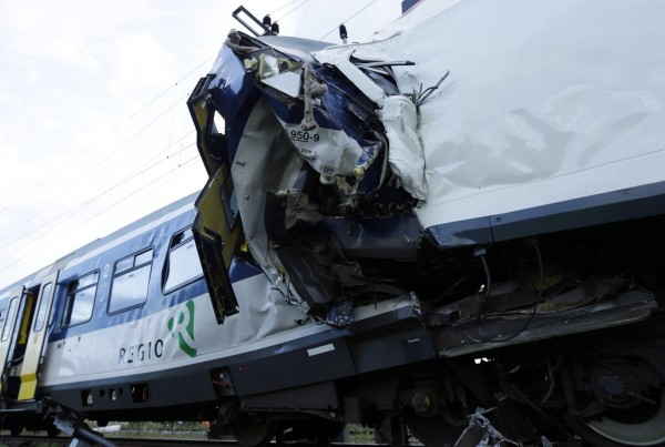 130729-Swiss trains collide-07
