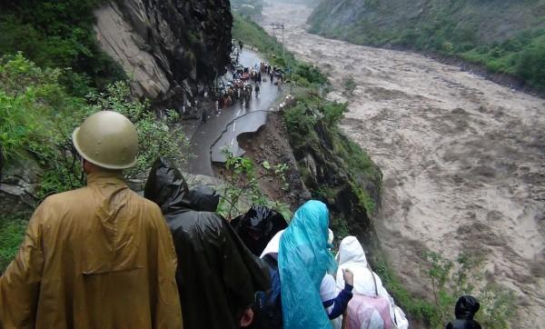 2013june-india-uttarakhand-flash-floods-09