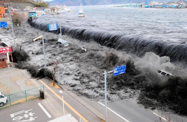 110311-japan-tsunami
