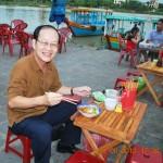 Ra phố cổ Hội An ăn cao lầu, mì Quảng