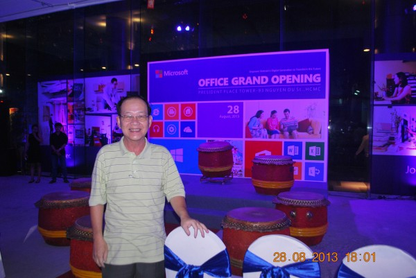 130828-php-microsoft-opening-new-office-hcm-05-2000