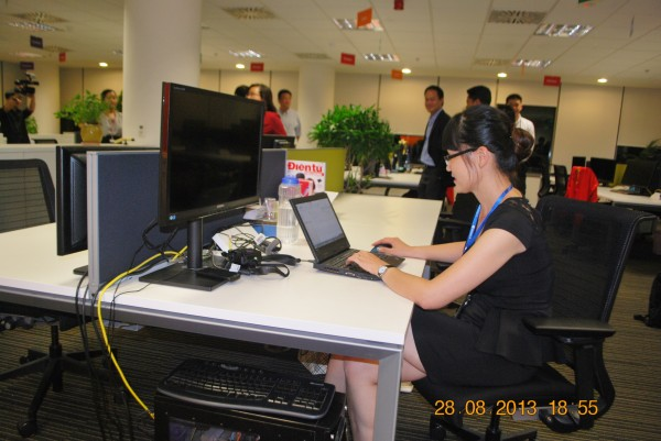 130828-php-microsoft-opening-new-office-hcm-56_resize
