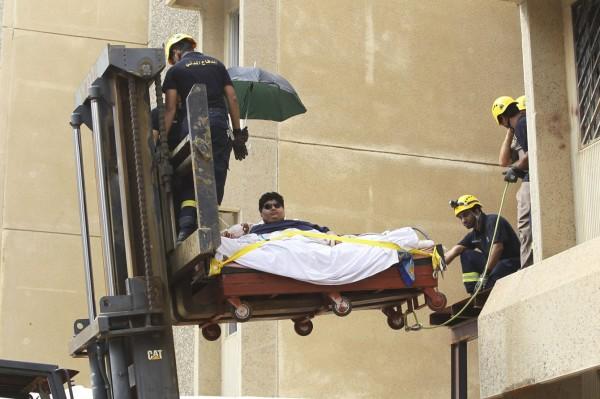 moving  a 1345-pound man-03