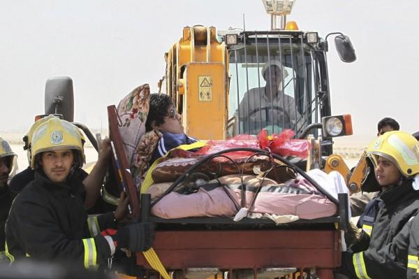 moving  a 1345-pound man-05