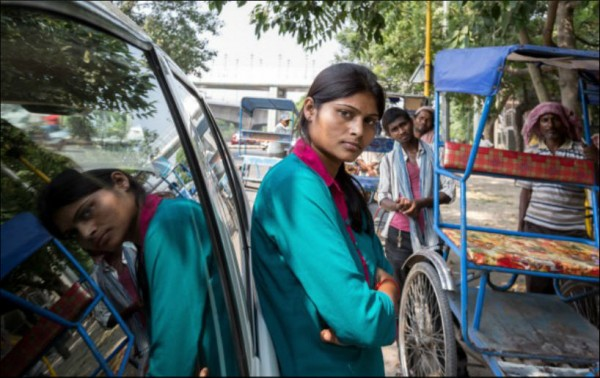 130929-india-women-only-taxi-03