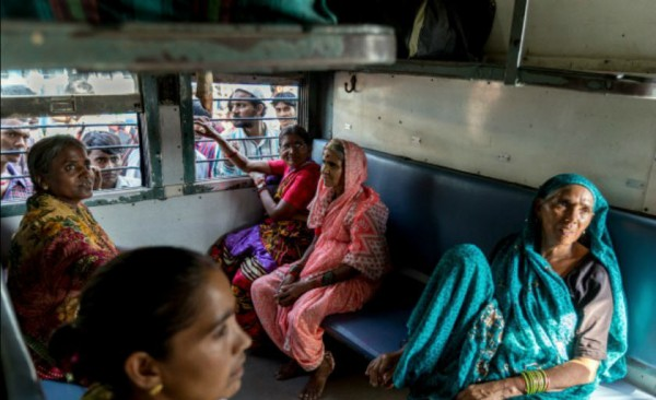 130929-india-women-only-trains-01