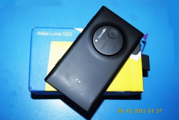 131009-phphuoc-nokia-lumia-1020-003_resize