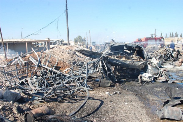 131020-syria-hama-truck-suicide-attack-05