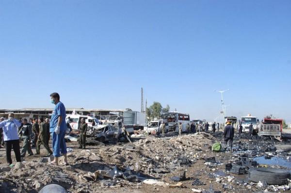 131020-syria-hama-truck-suicide-attack-06