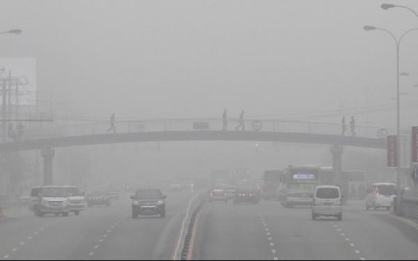 131021-smog-china-shenyang-city-liaoning-province
