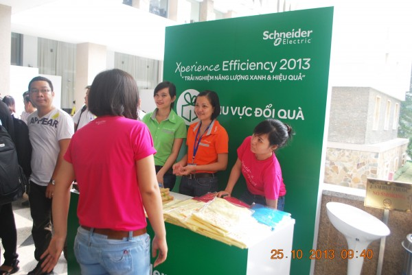 131025-schneider-electric-hcm-035_resize