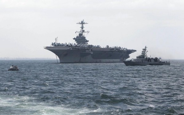 121024-uss-george-washington-aircraft-at-manila-bay