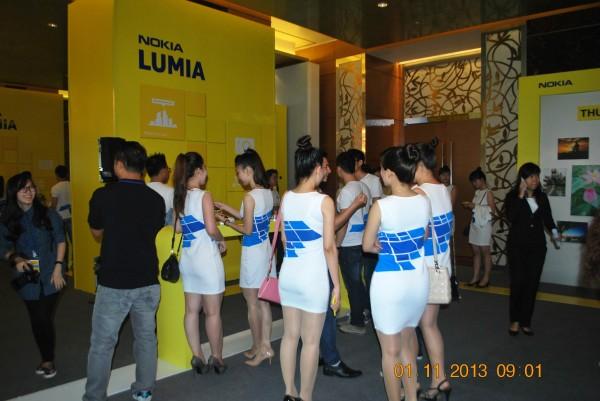 131101-phphuoc-nokia-lumia-1520-hcm-012_resize