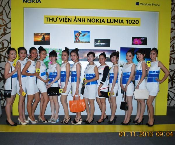 131101-phphuoc-nokia-lumia-1520-hcm-018_resize