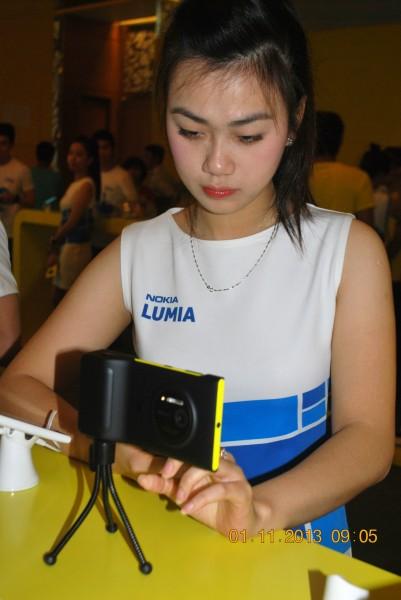131101-phphuoc-nokia-lumia-1520-hcm-021_resize