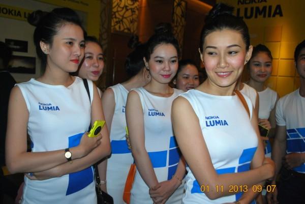 131101-phphuoc-nokia-lumia-1520-hcm-025_resize