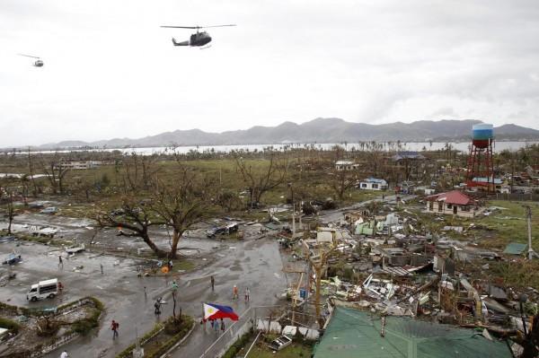 131109-supertyphoon-haiyan-philippines-32