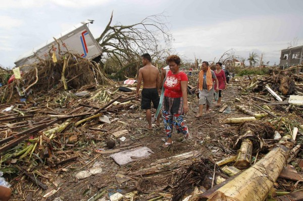 131109-supertyphoon-haiyan-philippines-34