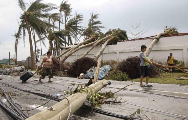 131109-supertyphoon-haiyan-philippines-37