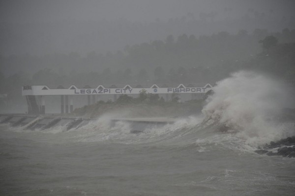 131109-supertyphoon-haiyan-philippines-41