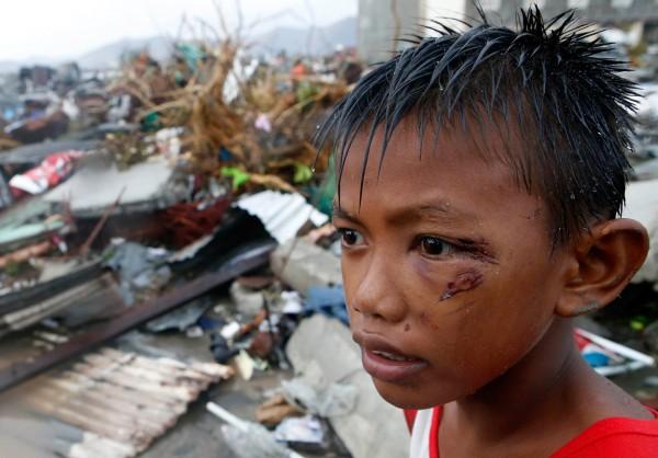 131110-supertyphoon-haiyan-philippines-tacloban-104