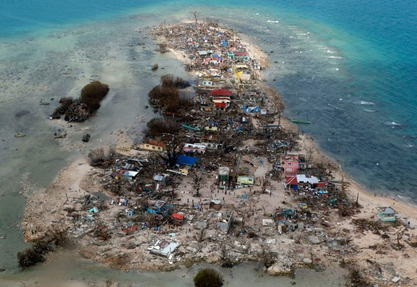 131111-supertyphoon-haiyan-philippines-samar-02