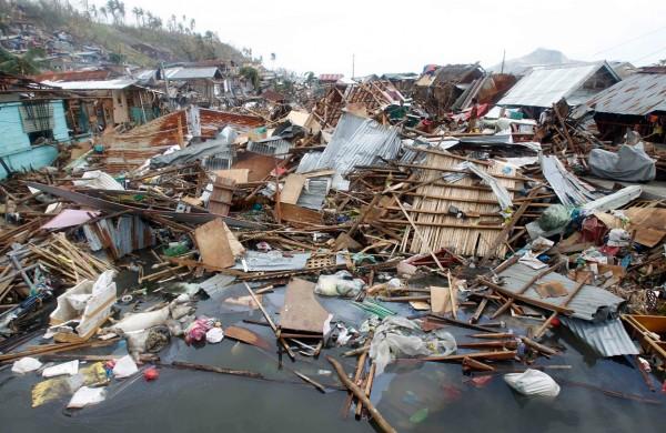 131111-supertyphoon-haiyan-philippines-tacloban-109