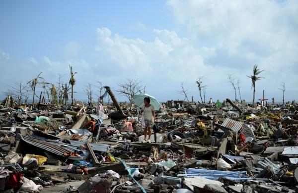 131111-supertyphoon-haiyan-philippines-tacloban-111