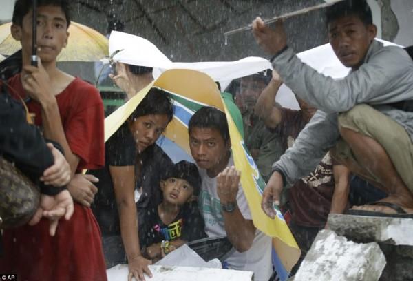 131111-supertyphoon-haiyan-philippines-tacloban-114